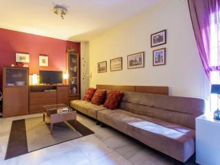 2-4 Guest Impeccable Apt. WiFi, AC. Prime Location, Sevilla
