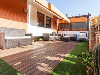 Central 3-Bedr Terraced Penthouse. WiFi & Cable TV, Seville