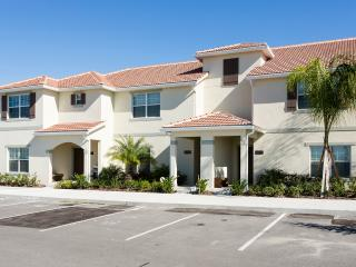 Brand New 4BR Townhome at Storey Lake Resort, Kissimmee