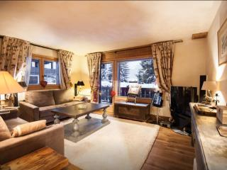 Luxury apartment 5 minute walk to village center, Megeve