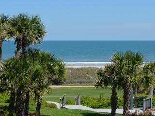 Lovely Single Level Condo with an ocean view, Fernandina Beach