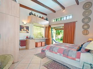Cherry Tree Cottage B&B Inhlabathi-Earth Room 3