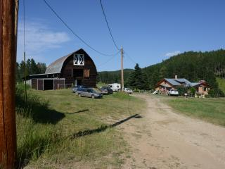Baumberger Ranch Getaway, Deadwood