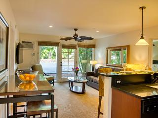 10% off the nightly rate 8/1-8/31 Aina Nalu J107!, Lahaina