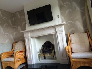 Luxury house in Greater London zone 6, Caterham