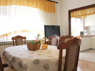APARTMENT FOR 6 PERSONS NEAR THE BEACH