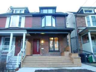 Stunning executive 2 bedroom upper unit duplex