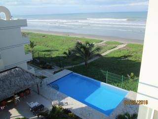Beachfront at Playa Azul, Pool, Canoa, Ecuador, $50/nite weekly& $30/nite mnthly