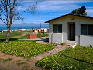 Private Ocean View Room in SHARED home Gated campo, Ensenada