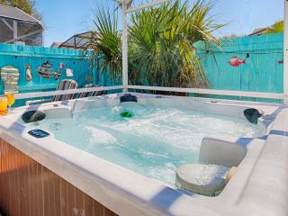 Enjoy the Hot Tub while the Kids Play in the Pool!, Kissimmee