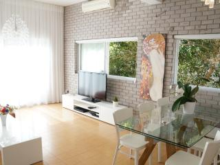 Luxory sea view apt! 2 min walking to the beach!!!, Tel Aviv