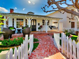 Corona Del Mar Charmer, Sleeps 6, Newport Beach
