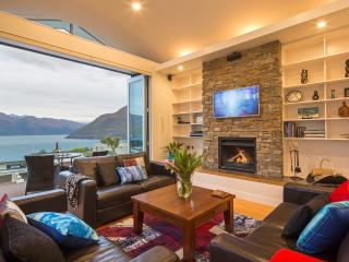 Mountain Vista, luxury Queenstown holiday home