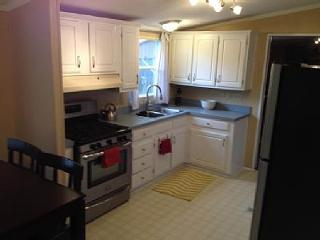Quiet Location, 9 Blocks to Beach, Pets Welcome, Rehoboth Beach