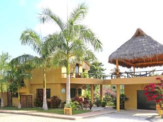 Casa Montaña Quiet and sunny 2 bedroom home, Sayulita