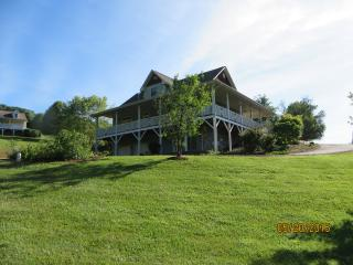 Craftsman Home- 2 Acres Beautiful Mountain Views!, Waynesville
