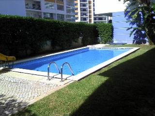 "Alto do Quintao Flat - Feel at home when""r away !"