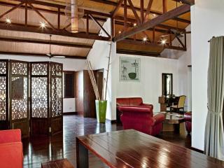 Perfect 2-Bedroom on Saigon River!, Di An