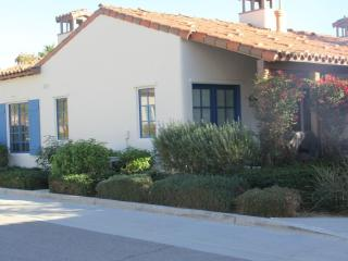 Amazing 1 story 3-bed/3-bath in Legacy Villas, La Quinta