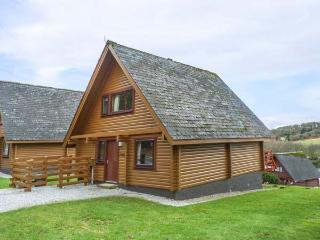 MERRICK, detached lodge on holiday park, en-suite, Smart TV, balcony, Colvend, Ref 927880