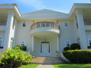 CLASSIC MANSION IN RIO NEAR THE BETTERS BEACHS