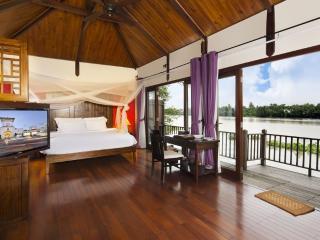 Terrific Villa on Saigon River!, Di An