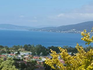 Charbella's on Norma - Spectacular Views of Hobart