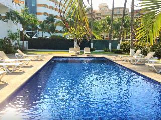 Relaxed and warm 2 bedroom condo at La Marina, Nuevo Vallarta