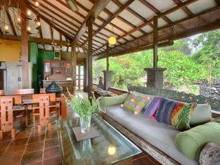 BEACHFRONT INDIGO HOUSE, CANGGU, BALI