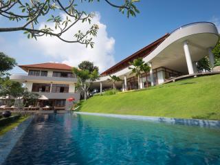 Villa Colonnade 3 Bedrooms - Panoramic Sea View, Jimbaran