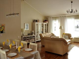 Lovely Family House, near Tallinn, Condado de Harju