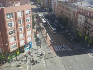 Situado en la misma parada  Benimaclet metro/tranv, Valencia