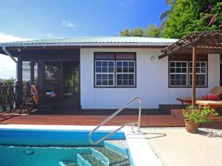 Orchid Cottage - Ideal for Couples and Families, Beautiful Pool and Beach