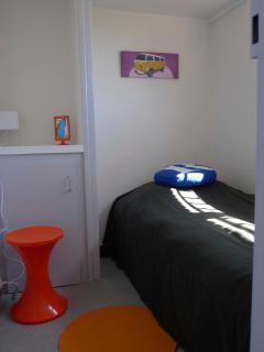 Petite chambre avec lit 90cm