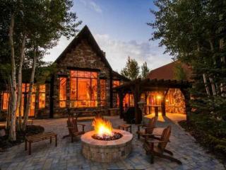 Breathtaking views, world class recreation, gourmet kitchen, Kamas