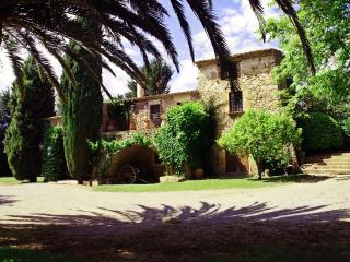 Exclusiva Masia Catalana s.XVII en Ullastret, la Bisbal d'Emporda