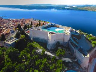 IN HEART OF DALMATIA SIBENIK HOLIDAY HOME MY DREAM, Sibenik