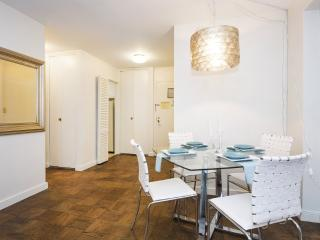 Furnished 1-Bedroom Apartment at Lexington Ave & E 39th St New York, Nueva York
