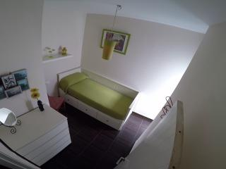 habitación cama nido, convertible en cama de matrimonio las mariposas