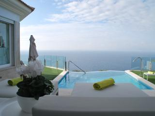 LUXURY VILLA SEA VIEWS INFINITY POOL, Llucmajor