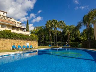 Luxury ground floor apartment in tranquil setting, Marbella