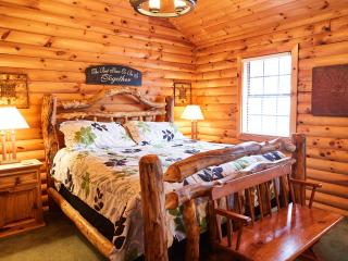 Honeymoon or GetAway Cabin1 Bdrm,Wooded, Secluded,