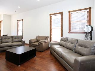 7BR Immaculate HOUSE in the Heart of Little Italy!, San Diego