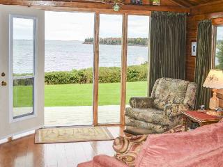 BAYVIEW WATERFRONT COTTAGE