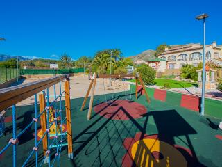 Villa Lara -  Ideal for families with private pool and BBQ., Jalon