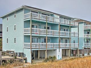 Delightful 2BR Carolina Beach Oceanfront Condo w/Wifi, Private Balcony