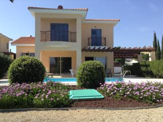 Beautiful 3 bedroom sea front villa, Lachi