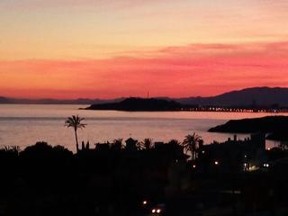 CASA JOSE Y CHONETA  peq apart 100 del Mar con peq piscina con vistas