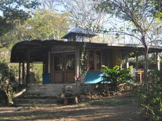 Jungle Cabin, La Cruz