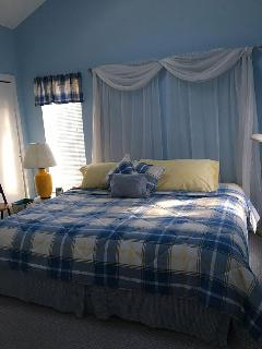 Upstairs King or 2 twin beds